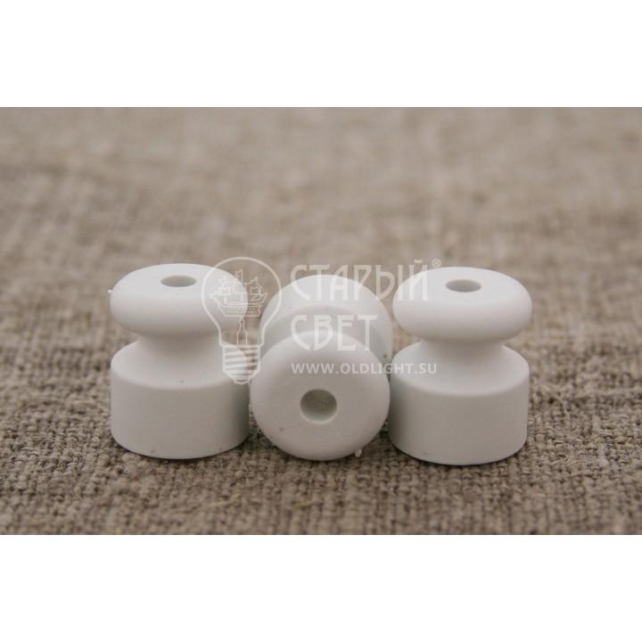 Изолятор пластиковый белый