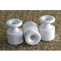 Изолятор пластиковый белый Bironi