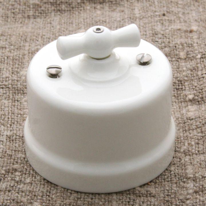 """Выключатель двухклавишный фарфоровый белый """"Bironi"""""""